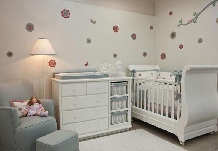 quarto-de-bebê-menina-flores.jpg (800×553)