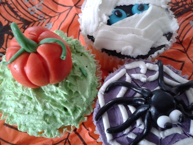 Halloween cupcakes made by the kids