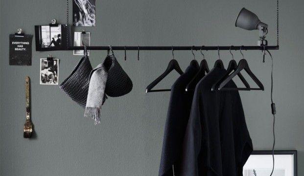 IKEA hack: stoer kledingrek voor aan het plafond