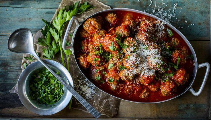 Kjøttboller er fast innslag på tapasbordet. Prøv deg på en ny variant denne gangen - med fennikel og parmesan!