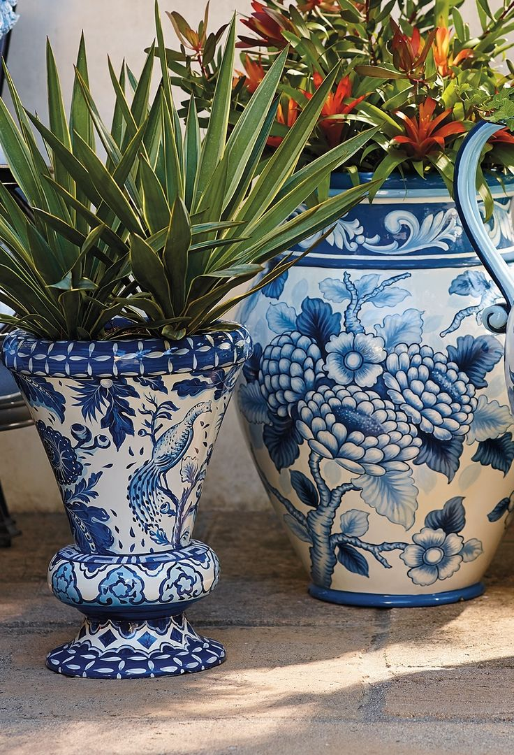 Blue And White Painted Planters Ceramics Blue And And 640 x 480