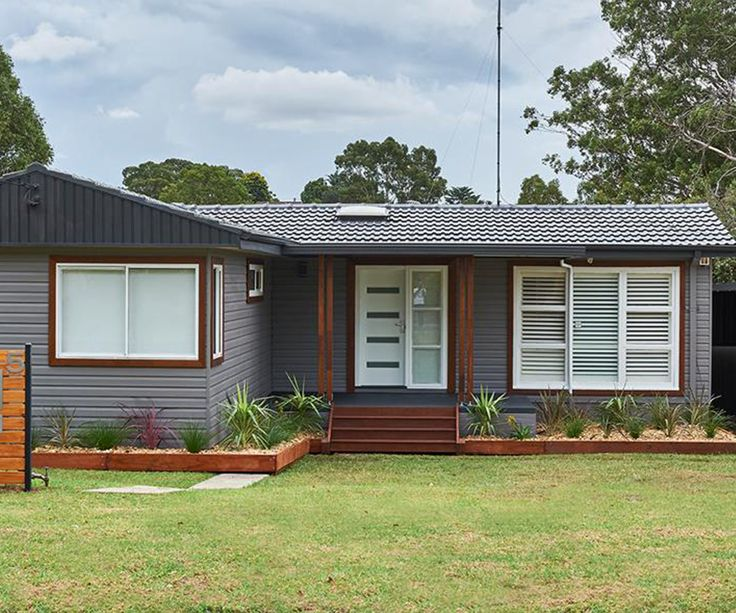 This achievable exterior makeover proves a basic suburban home with dated aluminium windows can have street appeal with a few simple updates Turning a plain, dated home into the smartest on the street This house could be in any suburban street in New Zealand. It's neat and tidy, looks in solid condition and it's probably …