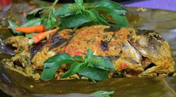 Resep bumbu pepes ikan mas dan cara memasak pepes ikan mas pedas