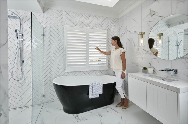 Luxaflex® PolySatin® Shutters bring a touch of understated elegance to any interior with their soft, matte lustre – similar to fresh paint. And, importantly, the PolySatin® finish will always look as luxurious as the day the shutters were installed, for years to come. A special formulation helps the shutters resist the harsh, bleaching UV rays of summer and the cooler winters of the southern states.