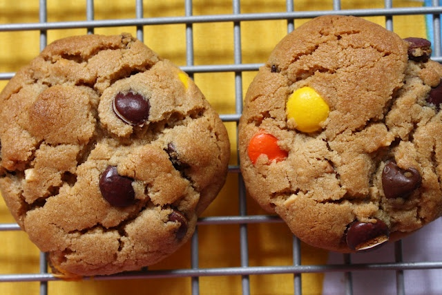 Peanut Butter Monster Cookies [how to ice a cake]