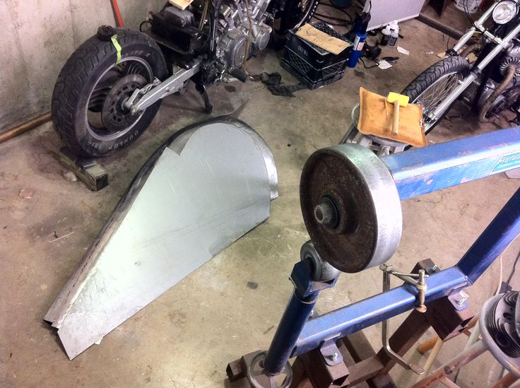 "Big Ass Fenders hide ugly wheels...progress on the 1985 Custom Yamaha Venture ""Phantompower"" #phantompower #custommotorcycles #Yamaha"