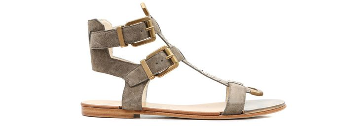 Balmain http://www.vogue.fr/mode/shopping/diaporama/shopping-sandales-du-printemps-ete-2014/19097/image/1007783#!balmain-veau-velours-metal-shopping-sandales-ete-2014