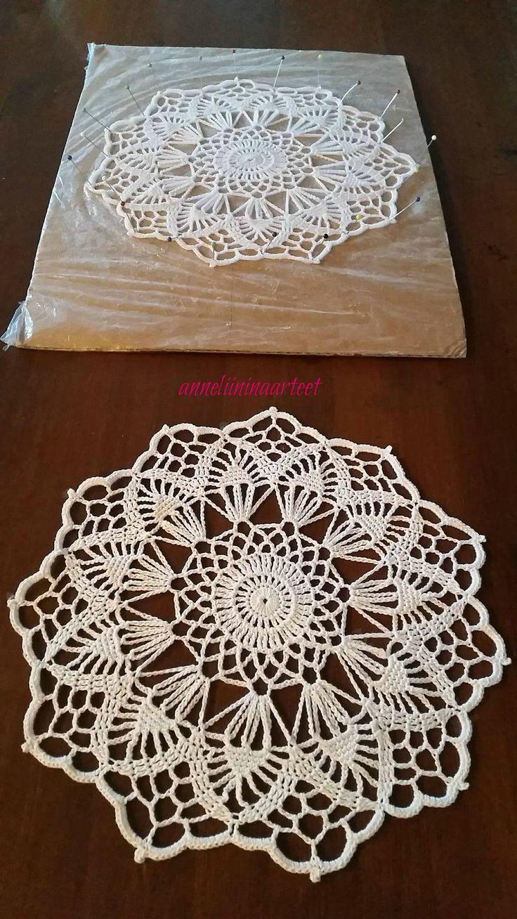 virkattu retro liina - crochet doily