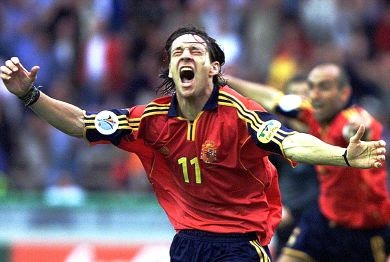 EURO 2000. Spain were losing 3–2 in injury time, needing a win to qualify from the group at Norway's expense. In the 90th minute, Spain won a penalty, which was converted by Gaizka Mendieta. With seconds remaining, Alfonso volleyed a spectacular shot past Ivica Kralj to claim victory for Spain and his second goal of the match.