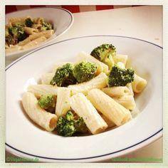 Nudeln mit Broccoli u. Cashew-Sahne-Sauce