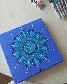 8 x 8 Mandala bleu peint à la main de toile de boîte  Le Mandala a été créé à l'aide de mixte acrylique peinture / papier / stylo et peinture tissu 3d  La toile a été recouverte d'une couche de vernis pour protéger la peinture et signée par mes soins sur le revers, donc la signature n'enlève rien à l'image  SANS frais de port et demballage au Royaume-Uni  Merci beaucoup pour la recherche:)