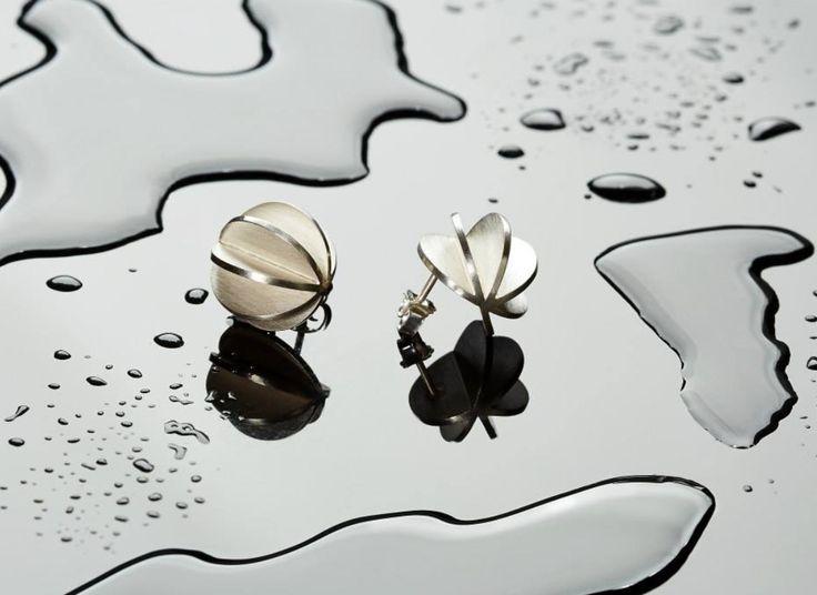 Made by Ella LAMELLAE ear studs, photo by Flemming Gernyx.