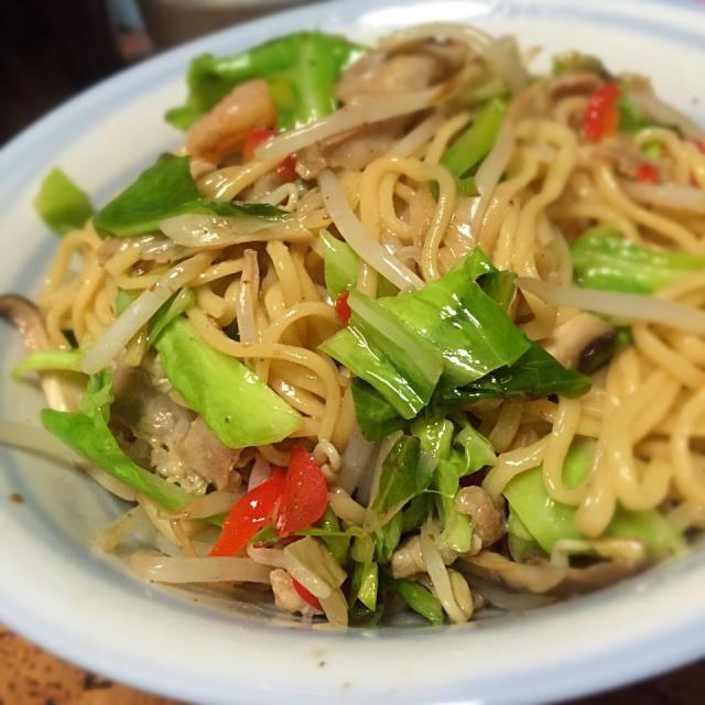 ラ王の冷麺が賞味期限間近なんで、麺だけ利用で中華焼きそばに。 - 28件のもぐもぐ - ラ王の冷麺で、焼きそば by mtyamu