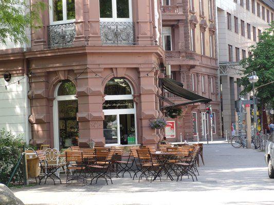 Cafe Maingold: garden bar/cafe. Good bakery, pancakes, coffee. http://www.cafe-maingold.de/