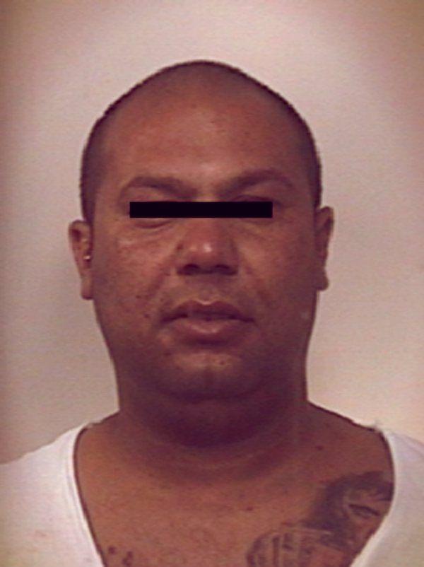 Gennaro Hajdari, 30 anni, di Lecce, è stato arrestato dopo che le vittime che aveva derubato lo avevano riconosciuto   http://tuttacronaca.wordpress.com/2013/09/08/addio-foto-segnaletiche-ormai-ce-facebook/