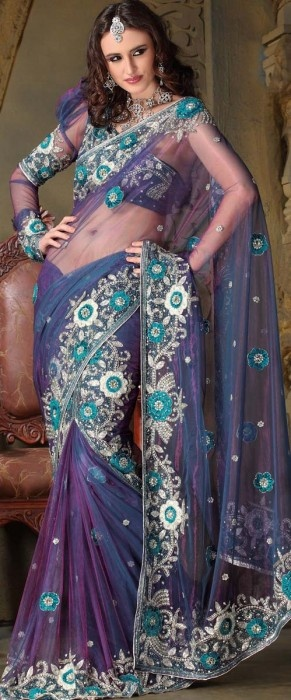 I love Sarees....I don't know why. but something about the Indian culture intrigues me. and I'm getting one THIS SUMMMMER