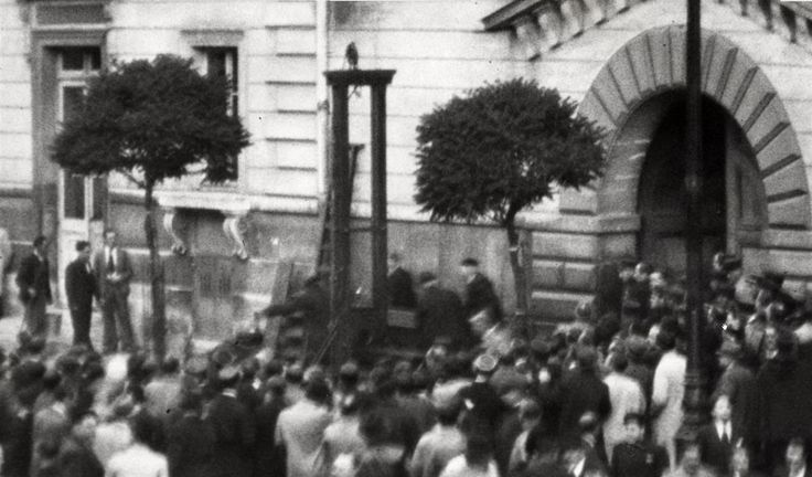 Photo purportedly showing the 1939 execution of Eugen Weidmann, the last person to be publicly executed in France.