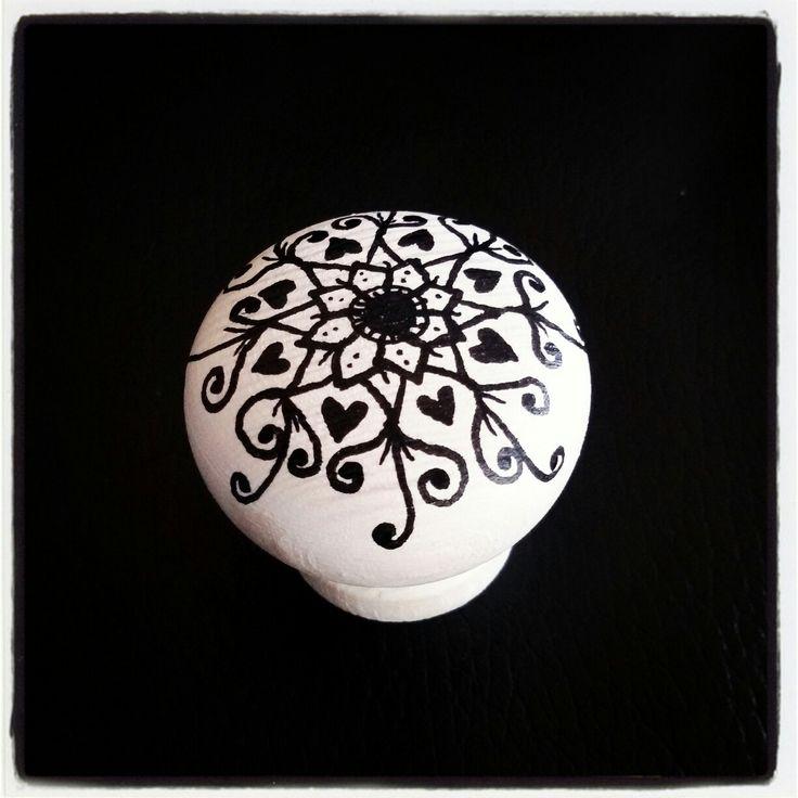 Kast knop made by @mayoasha