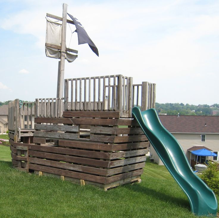 Free plans to build a pirate ship playhouse woodworking for Boat playhouse plans