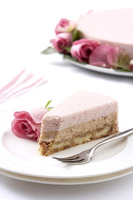 Cheesecake cu iaurt de capsune