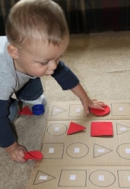 Make puzzles for your toddler with cookie cutters cardboard and foam!