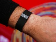 Fitbit continues to dominate Apple in wearables In the US, Fitbit owns 61 percent of the wearables market, while Apple accounts for under 7 percent, according to research firm Kantar Worldpanel ComTech.