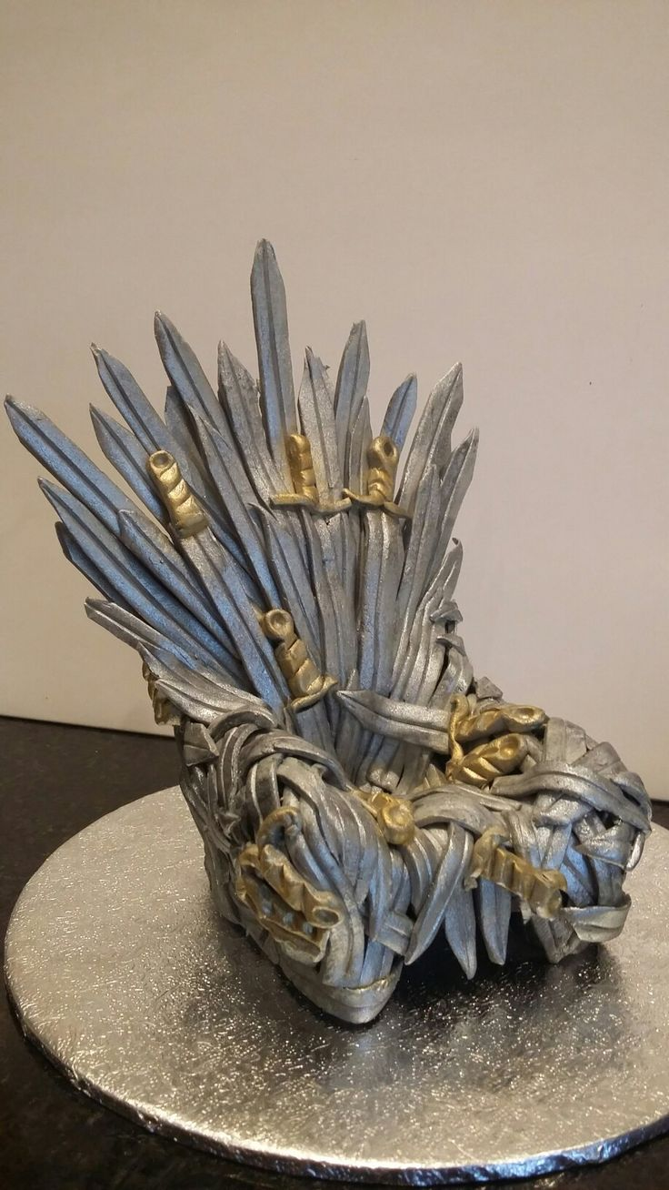 Game of thrones fondant throne decoration by Danielle Smith ( Rockylicious Cakes )