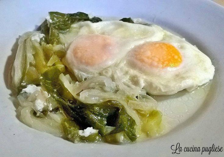 Uno dei piatti poveri ma gustosi della cucina pugliese sono le Uova con la cipolla! Le uova con la cipolla è un piatto che si prepara solo in inverno perché si usano esclusivamente gli Sponsali. Per la ricetta: http://lacucinapugliese.altervista.org/recipe/uova-con-la-cipolla-sponsali/