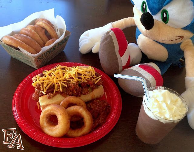 """Food Adventures (in fiction!): Chili Dog Meal for """"Sonic the Hedgehog"""". This is exciting!!! :D"""