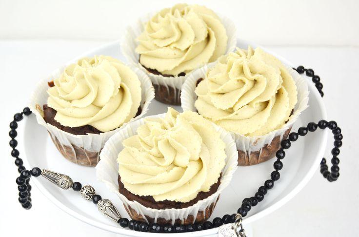 veggielicious-chocolatelicorice-cupcakes