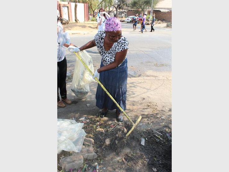 GALLERY: Clean-up in Windsor East   Randburg Sun
