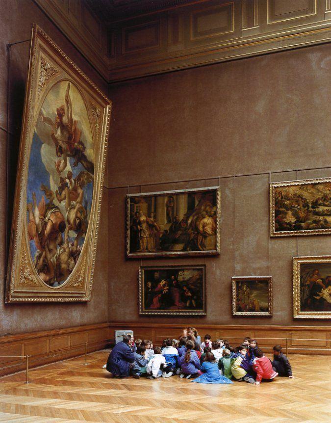 Musée du Louvre, Paris, 1989    Photo by Thomas Struth