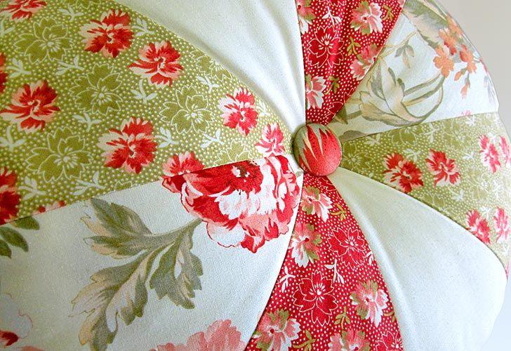Great tutorial for Pinwheel Pillows