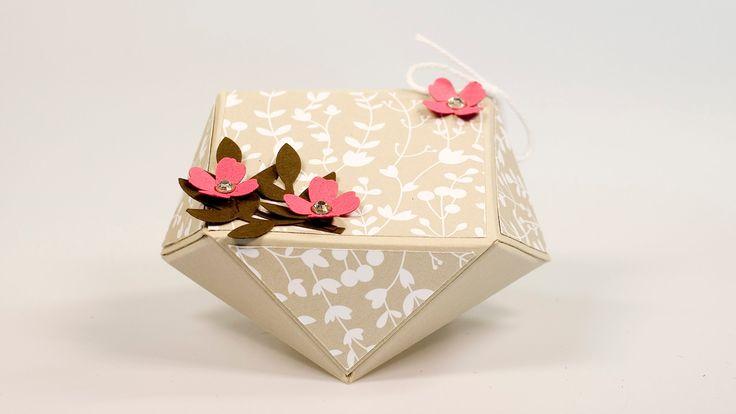 Diamantbox (facetted gift box) klein, 10 xm x 10 cm, stanzen + falzen bei 5cm, s.a. Blog-Post: http://janas-bastelwelt.blogspot.de/2015/06/video-tutorial-diamantbox.html