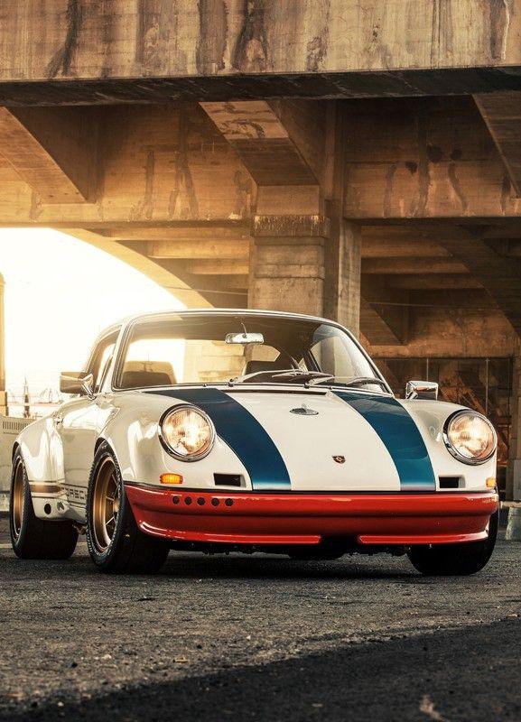 "Porsche 911 custom ""rebuilt"" - Magnus Walker"