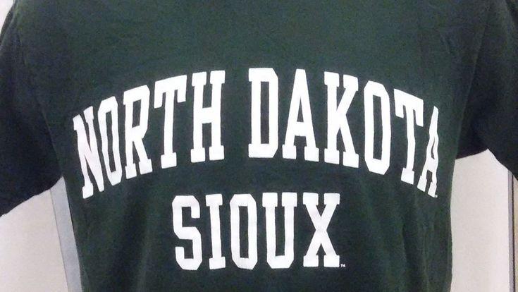 VTG North Dakota Fighting Sioux T Shirt UND Small Green University Hawks  #TCXApparel #NorthDakotaFightingSioux