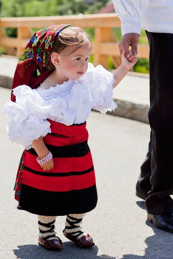 romanian girl in a traditional costume