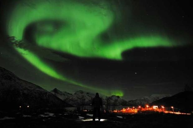 Aurora borealis, Tromso, Noruega.   / Northern Lights, Norway /   ©Rune Stoltz Bertinussen/Scanpix/ReutersSolar Storms, Buckets Lists, Trav'Lin Lights, Aurora Borealis, Storms Clouds, The Cities, Lights Show, Northern Norway, Northern Lights Norway