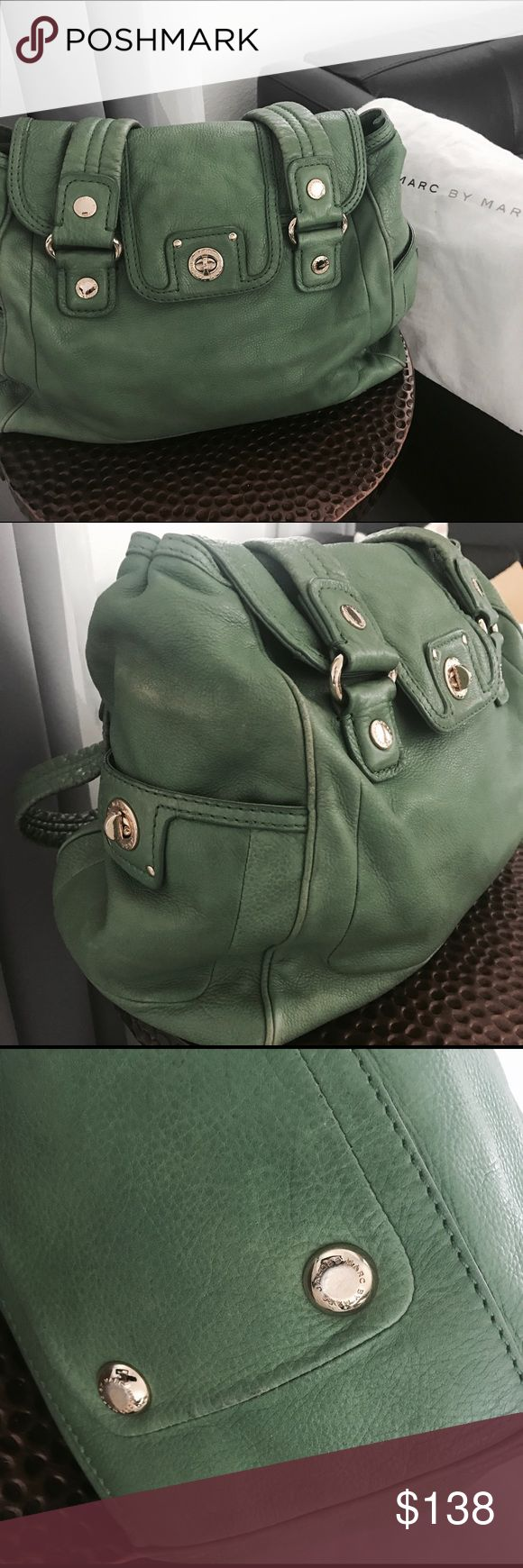Marc by Marc Jacobs purse Marc by Marc Jacobs amazing green leather purse with gold hardware Marc by Marc Jacobs Bags Shoulder Bags