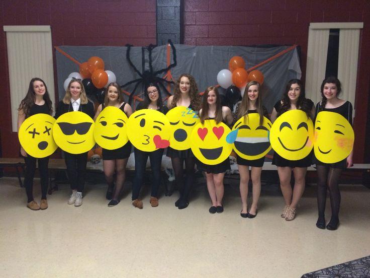 Diy emoji costumes!