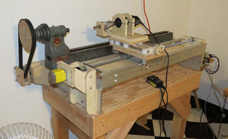 After picking up a vintage Delta Homecraft wood lathe from a garage sale, Chris decided to convert to CNC using an Arduino: I found an old lathe at a garag