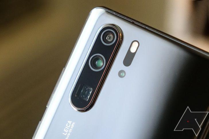 جوجل تحرم هواوي من تطبيقاتها وتثير ازمة ضخمة Huawei Phones Android Service Huawei