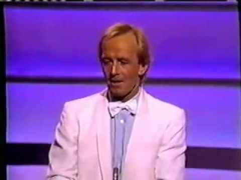 Paul Hogan's awesome speech at the Oscars - YouTube