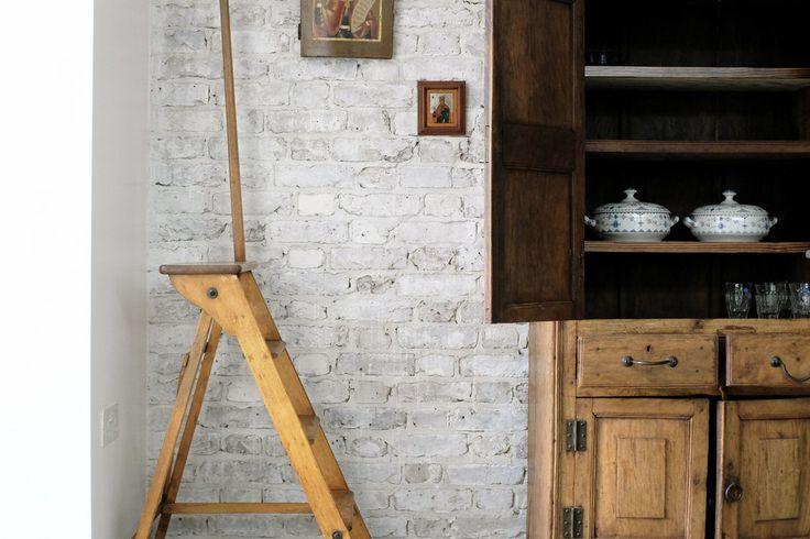 291.03   Vine cottage - light white washed brick 02