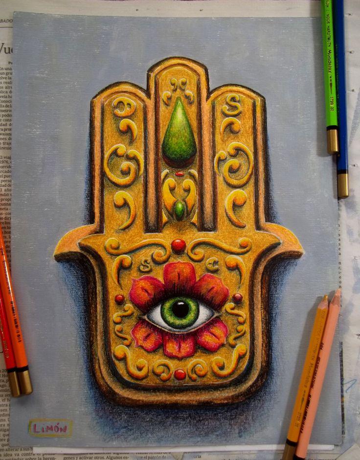 Mano de Fatima hecha con lapices de colores para que me cuide la casa. Un par de detallecitos mas y ya queda lista para colgar. Hand of Fatima made with colour pencils.