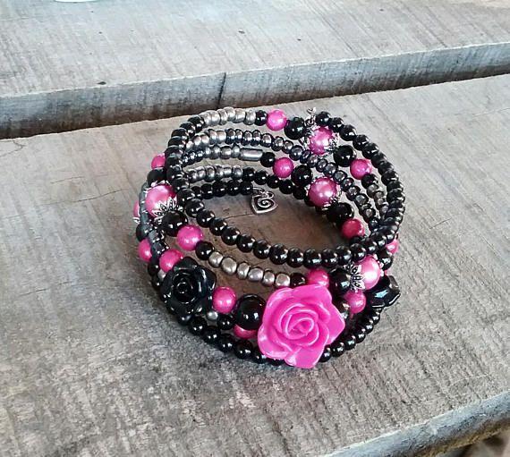 Retrouvez cet article dans ma boutique Etsy https://www.etsy.com/ca-fr/listing/568496565/bracelet-rose-bracelet-noir-bracelet
