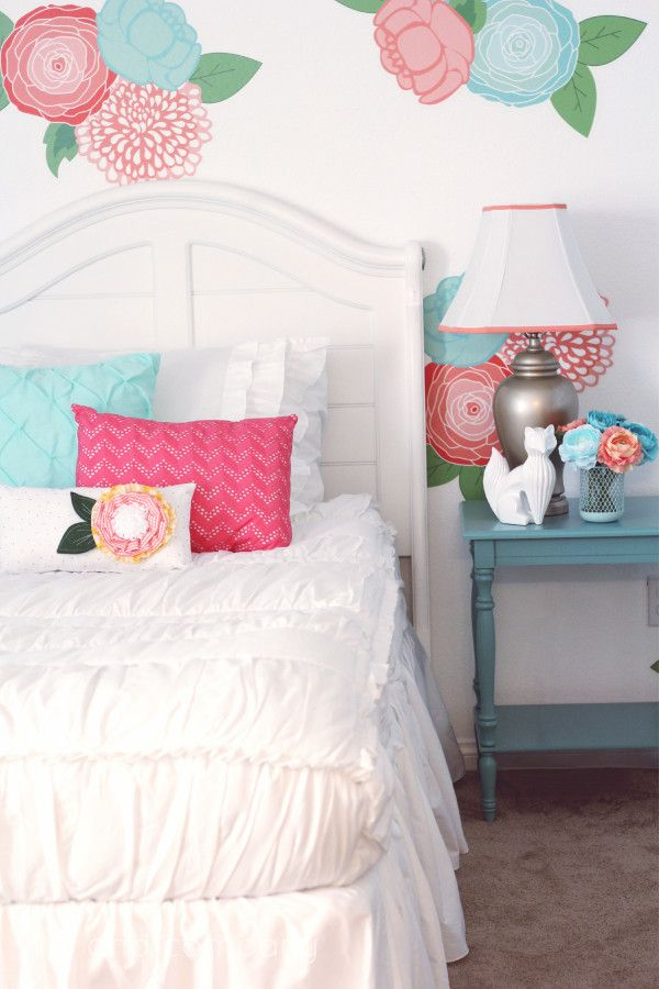 08bde79cdc0a66 Girl s Room Makeover. LOVE this Beddy s Bedding! Cute.