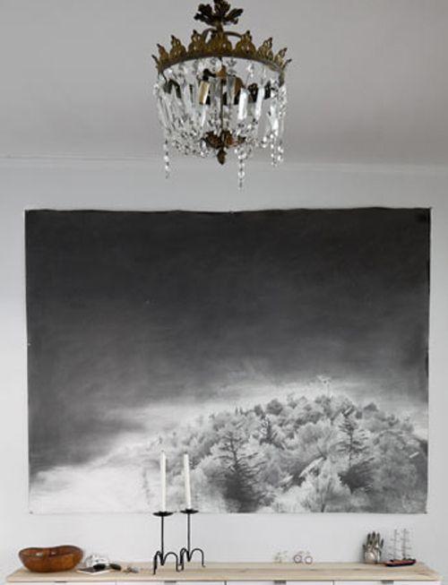 Visit my blog to see all of these amazing crystal chandeliers - http://inredningsvis.se/kristallkrona-ala-inredning-2012/  kristallkrona svart vit #crystalchandelier #kristallkrona #inredning #homedecor #livingroom #vardagsrum #bolig #vackrehjem #living