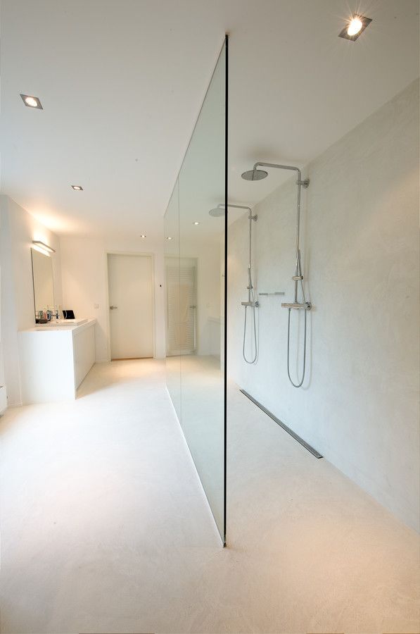 Completely seamless wetroom with polished plaster