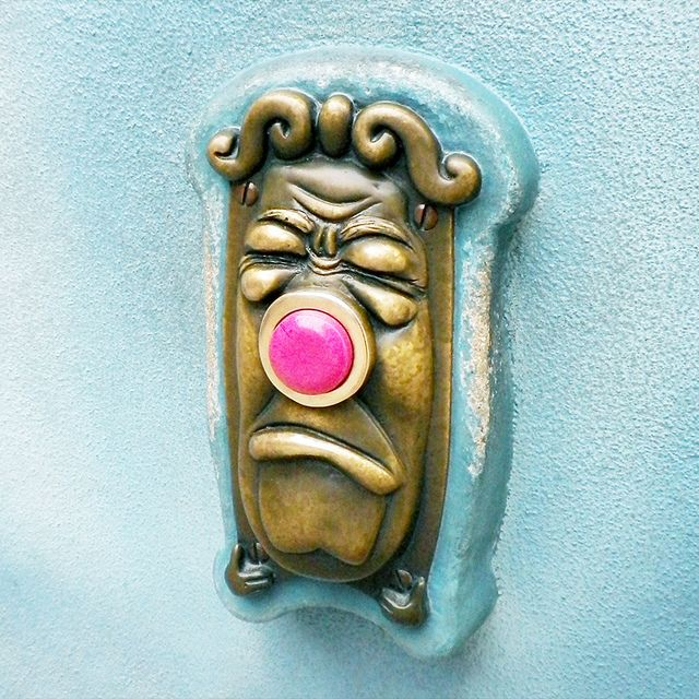 Alice in Wonderland doorbell. My dream house *will* have one.